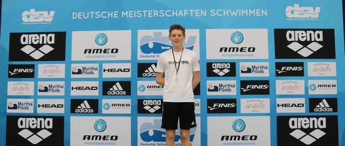 Valentin Schmiedel auf der Deutschen Jahrgangsmeisterschaft im Schwimmen in Berlin